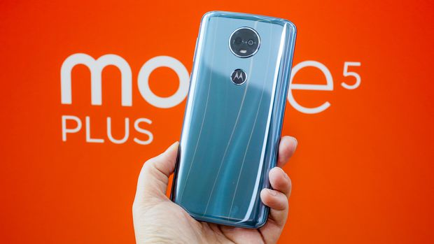 Moto E5 Plus launched in India price specs features snapdragon 435 camera specification buy online from amazon display 6 inches 5000 mah battery review