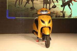 honda electric scooter design activa colour options and looks alloy wheels and top speed